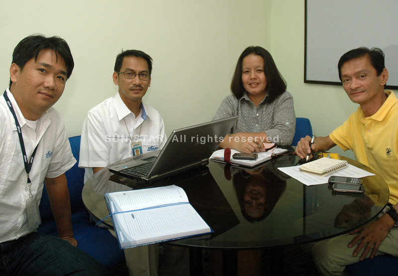 DAVAO. Sun.Star Davao and Smart Telecommunications Inc. have partnered to bring the 75th Araw ng Dabaw celebration to the world. In photo during the technology briefing are (from left) Jess Rubino, supervisor for Smart's Network and Plstform Application; Rodel Agustin, head for Smart's Mindanao Network Operation; Tessie A. Pana, SSD general manager; and Nelson C. Bagaforo, SSD news editor. (King Rodriguez)