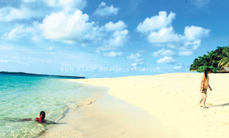 Daku island is the biggest among the three islands of Siargao. (Photo by Jona Branzuela Bering)