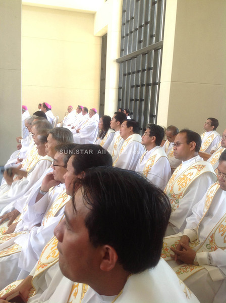 CEBU CITY. Bishops from Cebu and manila witnessed the consecration of the Chapel of San Pedro Calungsod Thursday afternoon at the South Road Property (SRP). (JAC)