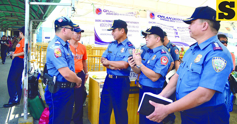 The Philippine National Police inspected cemeteries and ports on Thursday as part of their special security operations in time for All Souls' Day and All Saints' Day. (Allan Tangcawan/Sun.Star Cebu)