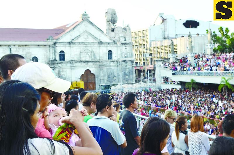 Sto Nino devotees in Cebu City