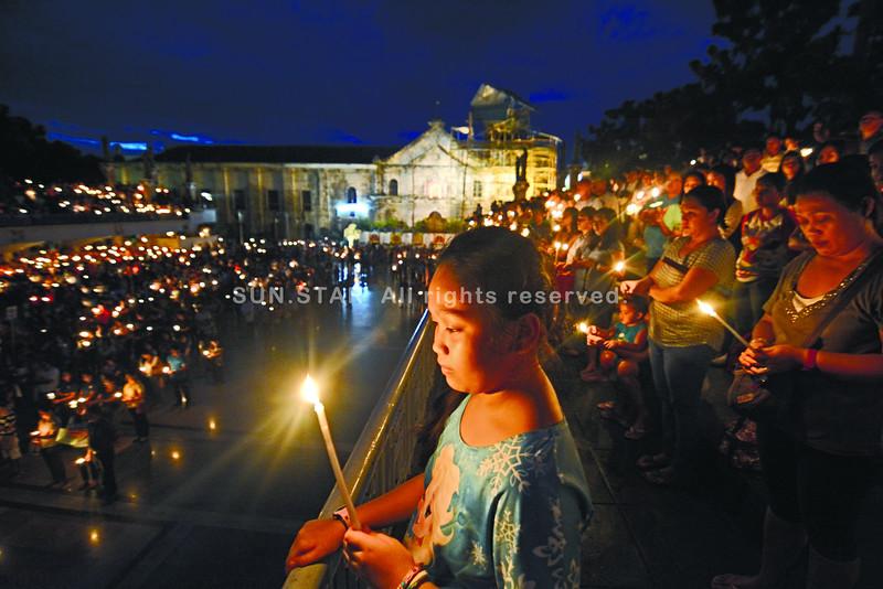Candlelighting at Basilica on Bohol-Cebu quake anniversary