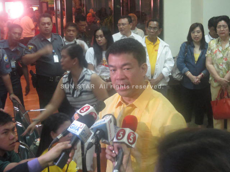 Senator Koko Pimentel is the first senatorial bet to file his certificate of candidacy (COC) Monday morning. (Virgil Lopez)