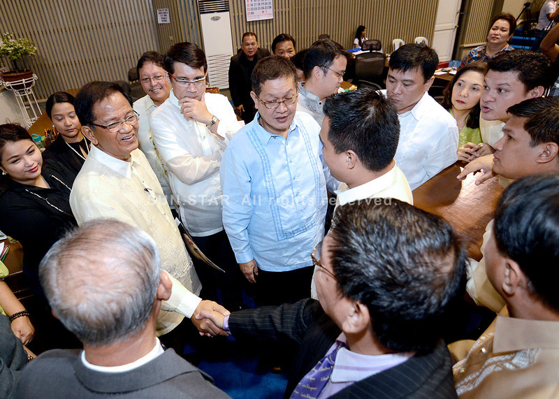 DAVAO. City Vice Mayor Paolo Duterte, along with other members of the 17th City Council, convey their best wishes to colleague, Councilor Melchor Quitain, who announced his resignation from the city's lawmaking body during Tuesday's regular session. (King Rodriguez)