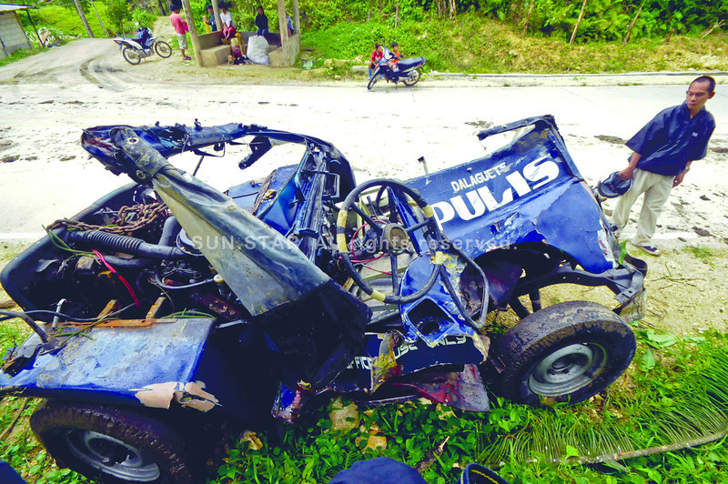 SAFETY FIRST.The provincial police is looking into possible causes of the accident that resulted in the death of two policemen and the driver in Dalaguete last Thursday. The police jeep-type vehicle used by the policemen fell off a ravine.(Sun.Star Photo/Alex Badayos)
