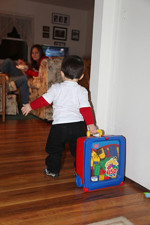 I love this tote of blocks, it's so much fun to pull around