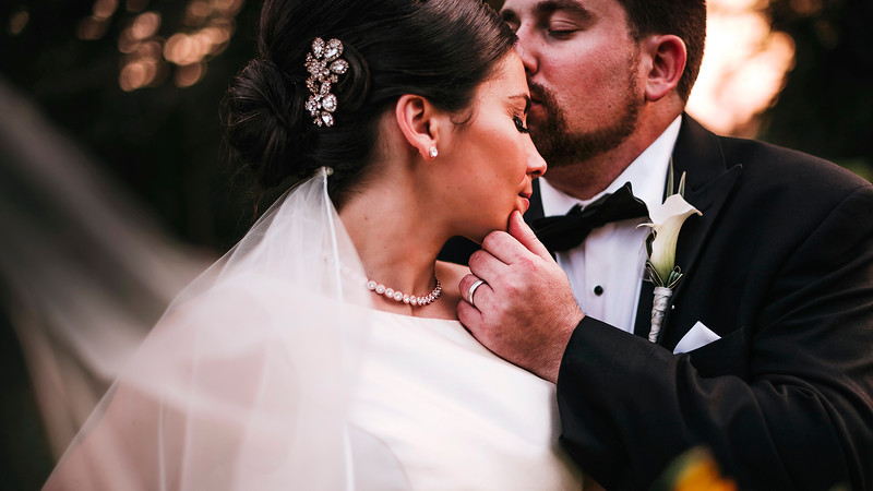 Best Montreal Wedding Photographer and Videographer | Elm Ridge Country Club | Ile Bizzard | Lindsay Muciy Photography and Video