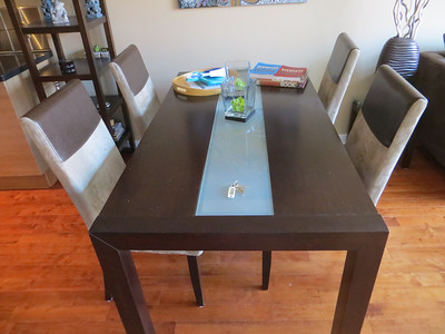 dining_table_and_four_chairs
