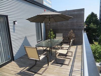 patio_set_glass_table_6_chairs_umbrella_1