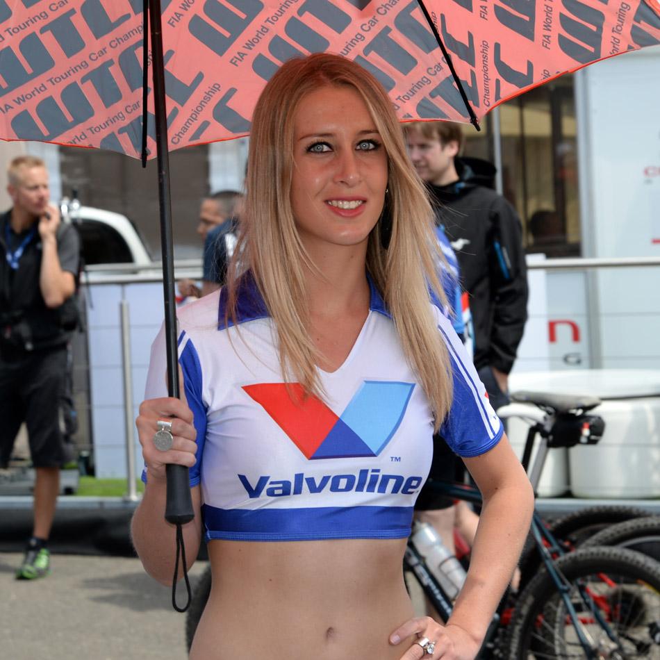 Spa Valvoline grid girls 03