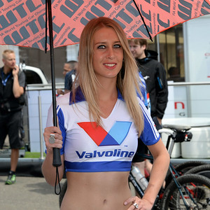 Spa Valvoline grid girls 03