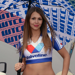 Spa Valvoline grid girls 09
