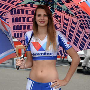Spa Valvoline grid girls 06