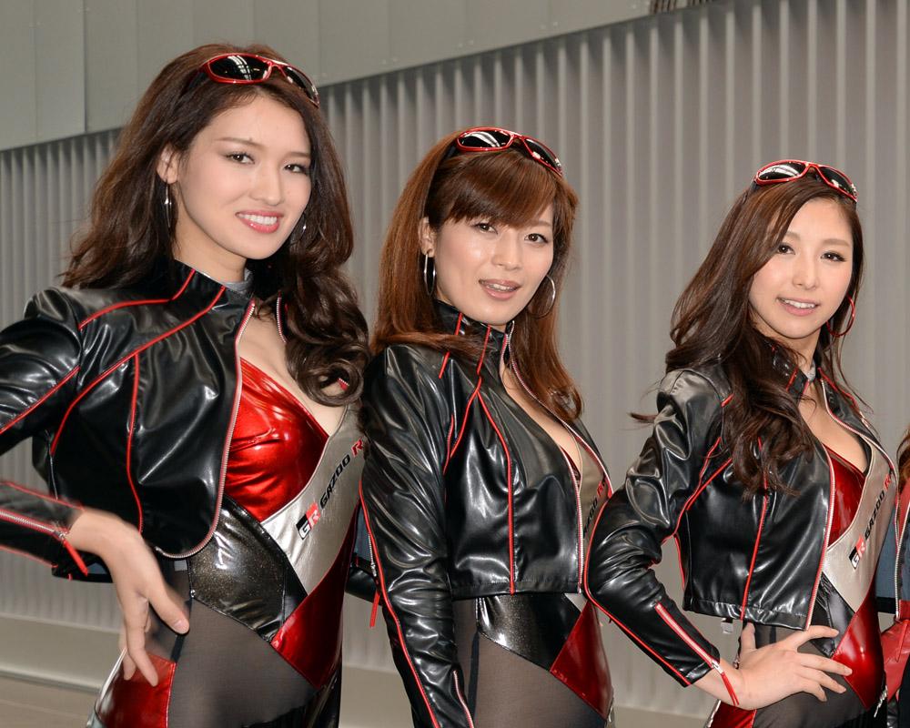 Nurburgring Japanese pit babes 07