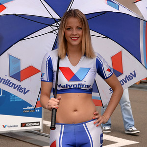 Spa Valvoline grid girls 07