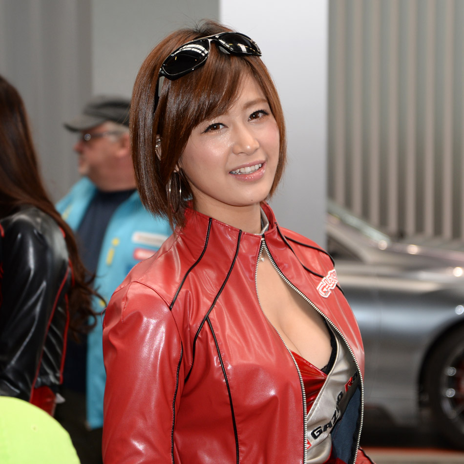Nurburgring Japanese pit babes 09