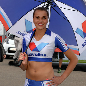 Spa Valvoline grid girls 04