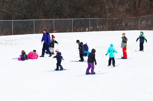Monument Elementary students Nordic ski class. 020617