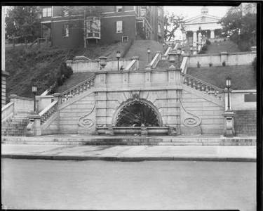 Monument Terrace II (02841)