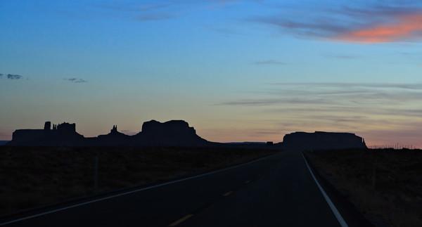 Sunset_042218_MonumentValley-050