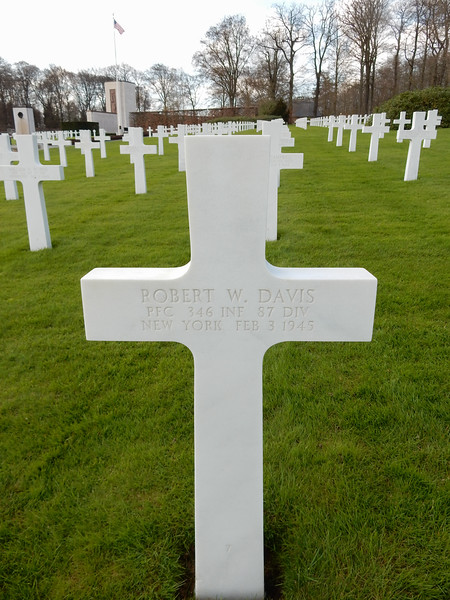 Robert W. Davis<br /> PFC  346 INF  87 DIV<br /> New York  Feb 3 1945