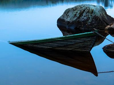 3 Sunken boat