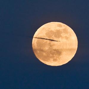 moon-plane-6