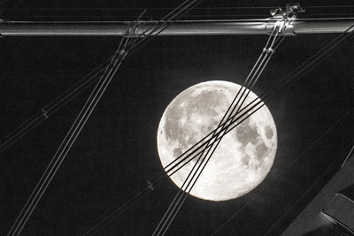 2014-08-10-moon-full-rising-bridge-san-francisco-oakland-bay-bridge-suspender-cables-1