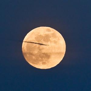 moon-plane-5