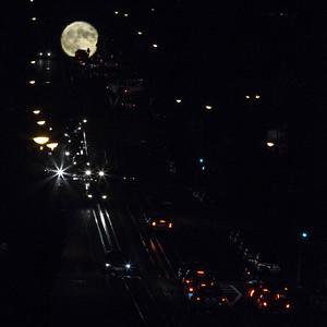 san-francisco-cable-cars-california-street-moon-rise-2