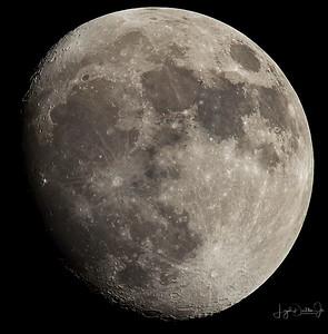 Waxing Gibbous  Moon  11-30-17