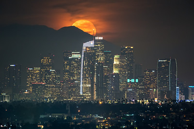 Supermoon rise with smog glow over Los Angeles