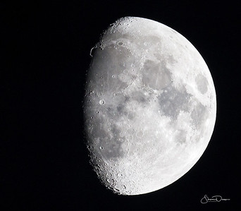 Moon shot taken at 11:06pm, May 12, 2011