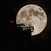 2014-08-10-moon-full-rising-bridge-san-francisco-oakland-bay-bridge-tower-top-scaffolding-1