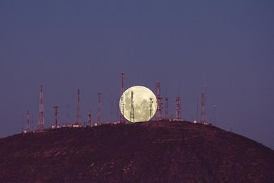 Full Moon Rise in Cerro Grande La Serena