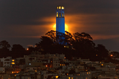 2015-06-02-moon-full-coit-tower-1