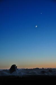 crescent-moon-venus-2