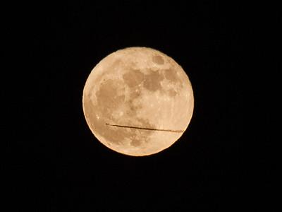 Jetliner Moon