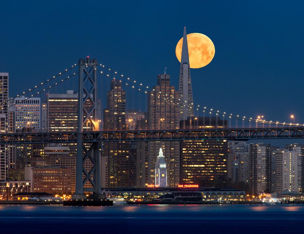 Moonset over San Francisco