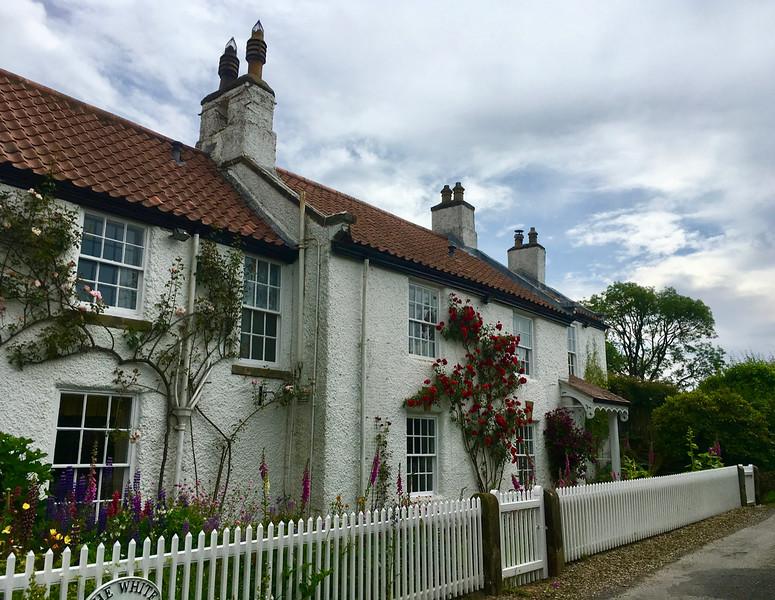 Malebný domček na kraji dedinky Great Ayton