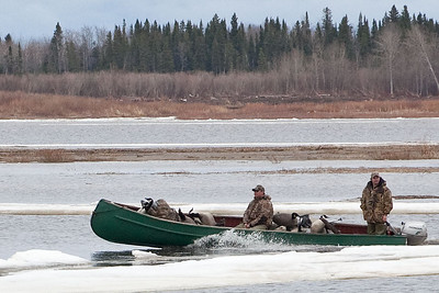 Moosonee River Traffic