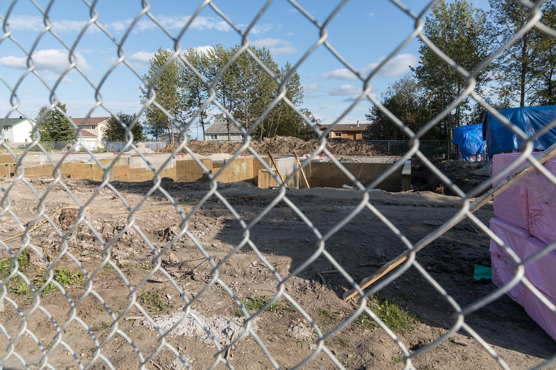 Residences for Ontario government staff at corner of Ferguson Road and Fourth Street 2017 September 3rd. Taken through fence