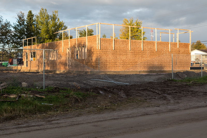 New housing for Ontario Government workers under construction at corner of Ferguson Road and Fourth Street 2017 September 29th.