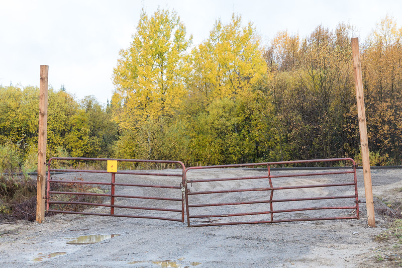 New gates at the end of Gardiner Road at the tracks.