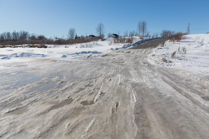 Winter road approaching McCauley's Hill in Moosonee.
