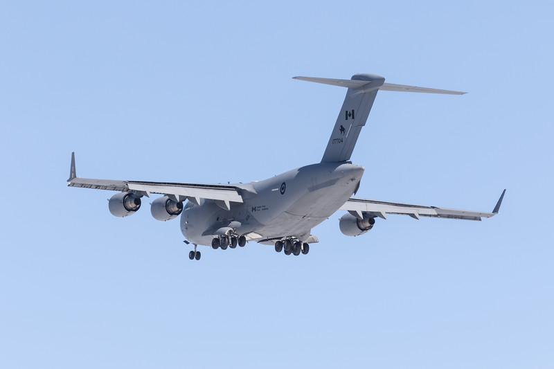 RCAF C-17 transport coming to land at Moosonee. 2017 March 31st.