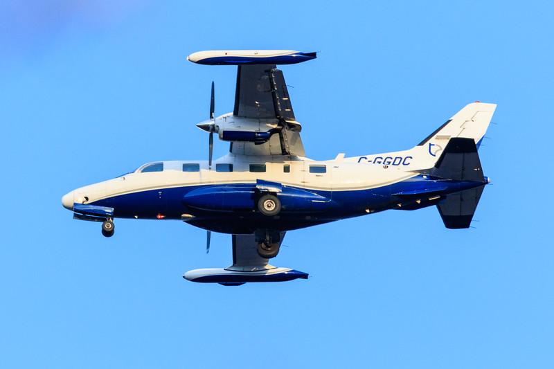 Thunder Airlines  MITSUBISHI-MU2 C-GGDC coming to land at Moosonee.