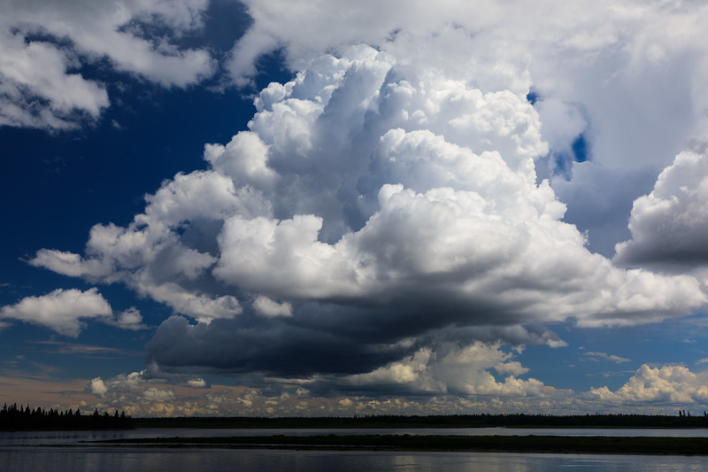 Clouds before the storm. Polarizing filter.