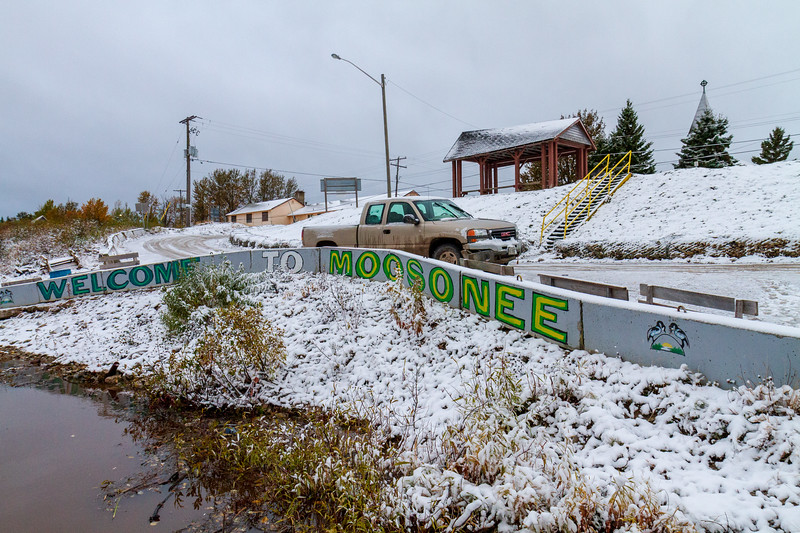 Welcome to Moosonee sign and snow.