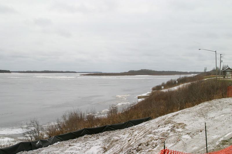 Moose River shoreline looking upstream 2004 November 25.